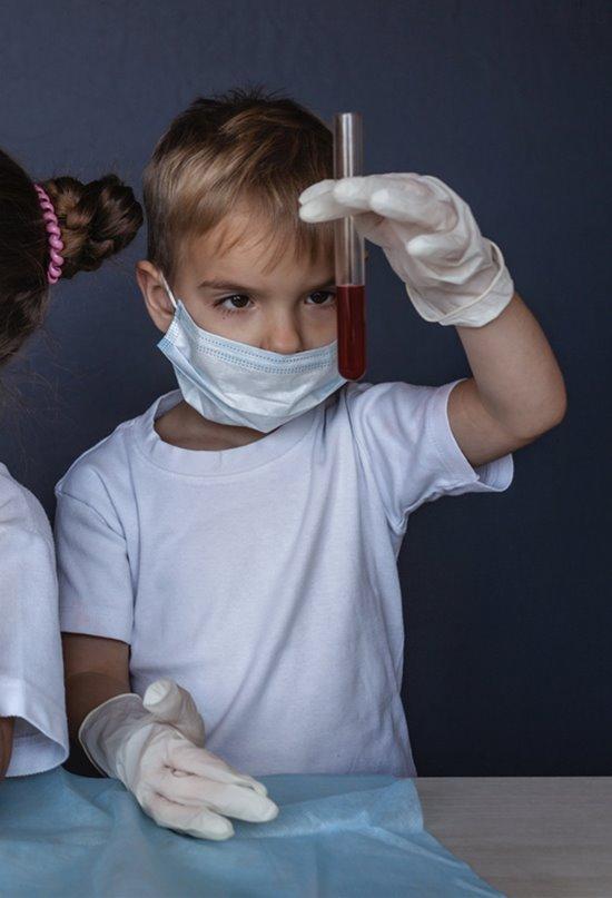 Los niños y el coronavirus, ¿por qué los jóvenes resisten mejor la pandemia?