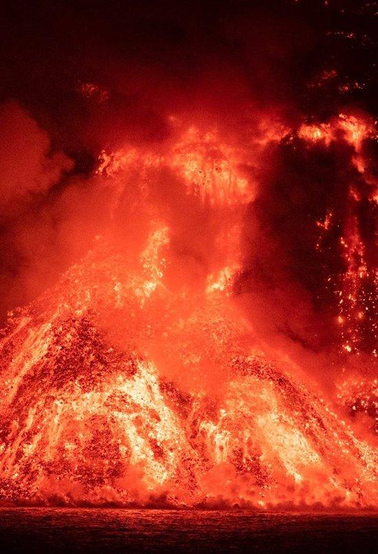 La erupción del volcán de La Palma a vista de dron
